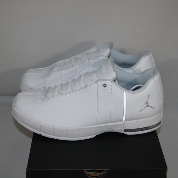 buy online bdf8b 9c854 New Nike Jordan TE 2 Low White Basketball Shoe NWT